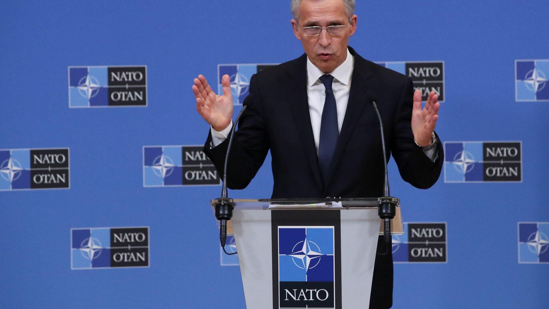 Sekretarz generalny NATO Jens Stoltenberg podczas konferencji prasowej w Brukseli w Belgii - Sputnik Polska, 1920, 23.03.2021