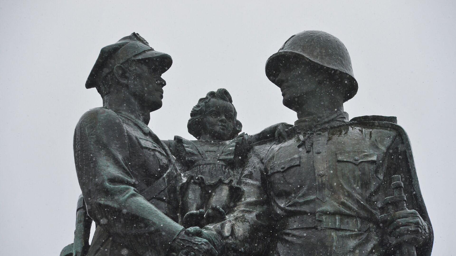 Pomnik braterstwa, Legnica - Sputnik Polska, 1920, 27.08.2021
