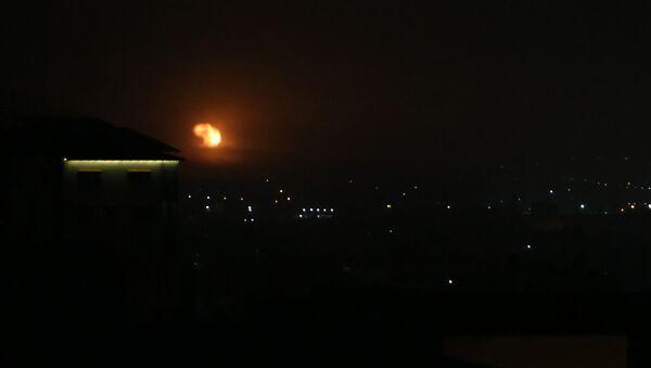 Izraelski nalot na południe od Strefy Gazy - Sputnik Polska