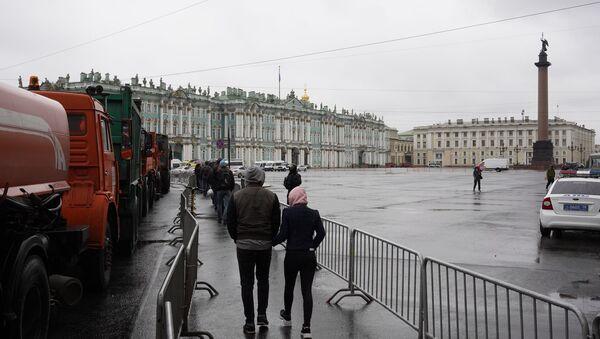 Nielegalne akcje protestacyjne w Petersburgu, 21.04.2021 - Sputnik Polska