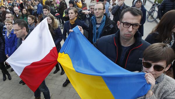 Marsz Solidarności z Ukrainą w Warszawie - Sputnik Polska