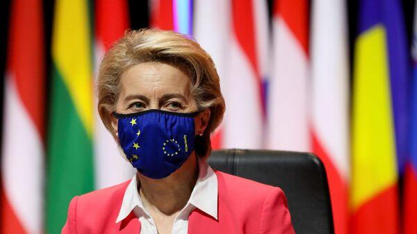 Przewodnicząca Komisji Europejskiej Ursula von der Leyen na szczycie UE w Porto w Portugalii - Sputnik Polska