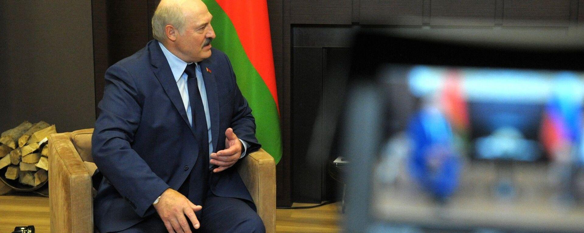 Prezydent Białorusi Alaksandr Łukaszenka podczas spotkania z prezydentem Rosji Władimirem Putinem - Sputnik Polska, 1920, 20.08.2021