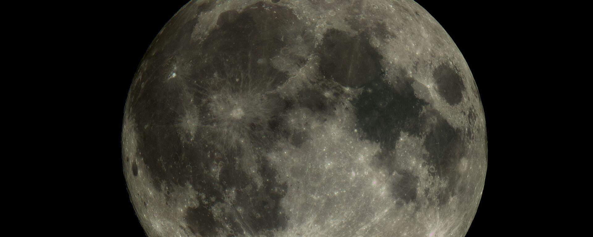 """Zdjęcie Księżyca wykonane przez mały statek kosmiczny """"Aist-2D"""" - Sputnik Polska, 1920, 03.06.2021"""