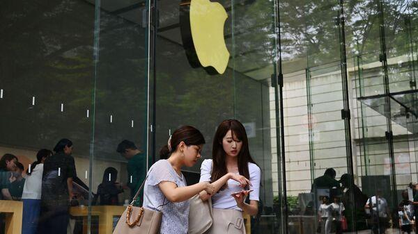 Sklep Apple w Tokio. - Sputnik Polska