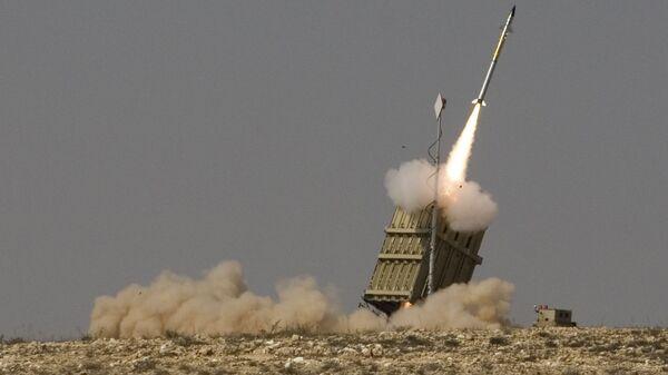 Запуск ракеты израильской системы ПРО Железный купол - Sputnik Polska