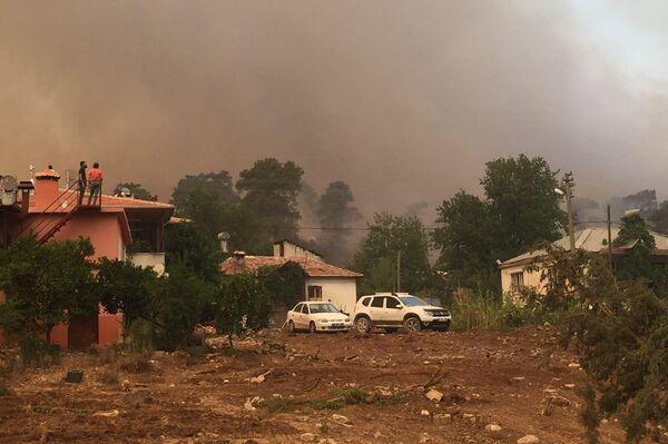 Pożar w południowej Turcji w prowincji Antalya, miasto Manavgat  - Sputnik Polska