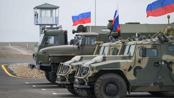 Российские бронеавтомобили в Карабахе - Sputnik Polska