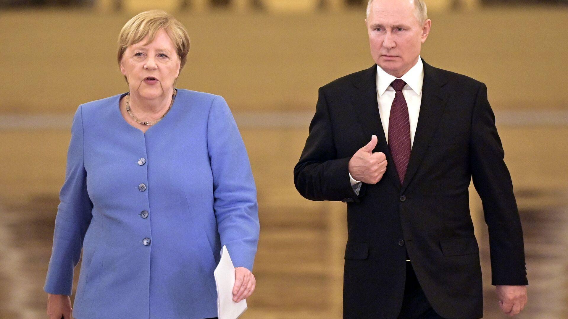 Władimir Putin i Angela Merkel - Sputnik Polska, 1920, 26.09.2021