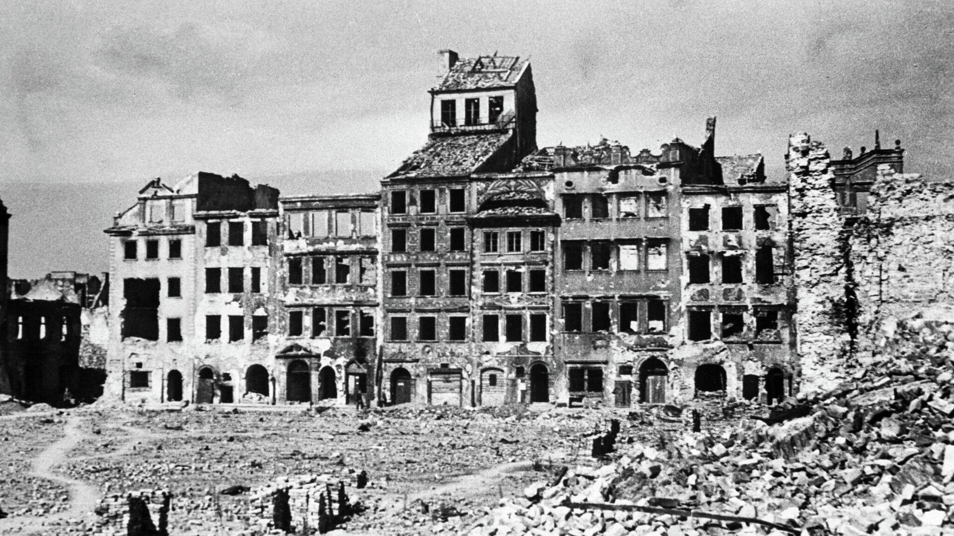 Widok na ulicę w Warszawie w czasie II wojny światowej. - Sputnik Polska, 1920, 01.09.2021