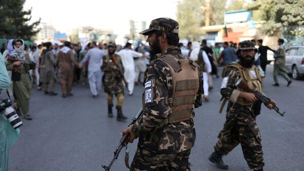 Солдаты Талибана во время акции протеста в Кабуле, Афганистан - Sputnik Polska