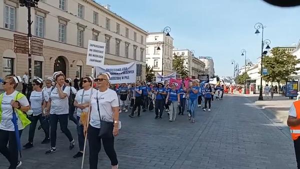 Протест работников системы здравоохранения Польши в Варшаве - Sputnik Polska