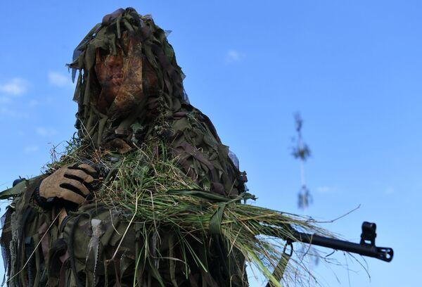 Żołnierz na wspólnych ćwiczeniach Strategicznych Sił Zbrojnych Rosji i Białorusi Zapad-2021. - Sputnik Polska