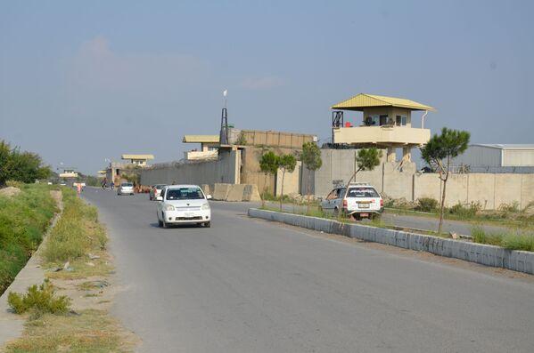 Była duża baza USA w Chost pod kontrolą talibów. Baza ta była uważana za największe centrum zarządzania operacjami w południowo-wschodnim Afganistanie i mieściła tysiące amerykańskich żołnierzy. Przed odejściem Amerykanie zniszczyli większość sprzętu. - Sputnik Polska