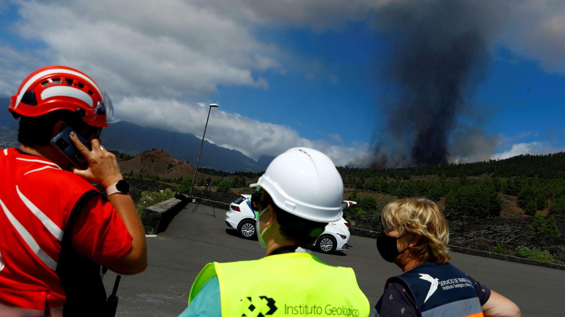Erupcja wulkanu na kanaryjskiej wyspie La Palma - Sputnik Polska, 1920, 25.09.2021