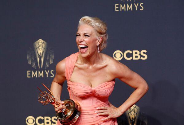 Aktorka Hannah Waddingham z nagrodą na 73. ceremonii rozdania nagród Emmy w Los Angeles - Sputnik Polska