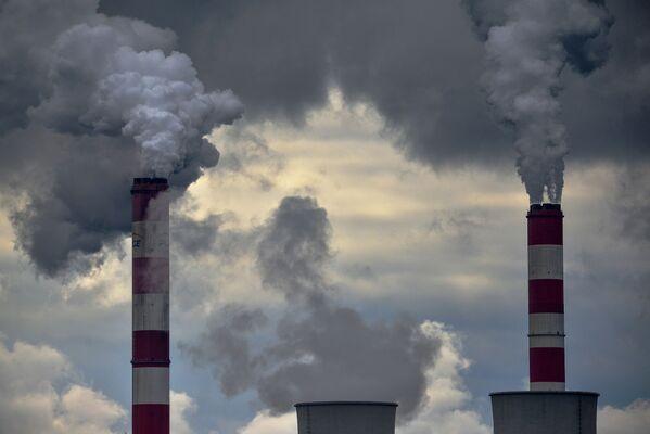 Dym z kominów elektrowni w Bełchatowie - Sputnik Polska