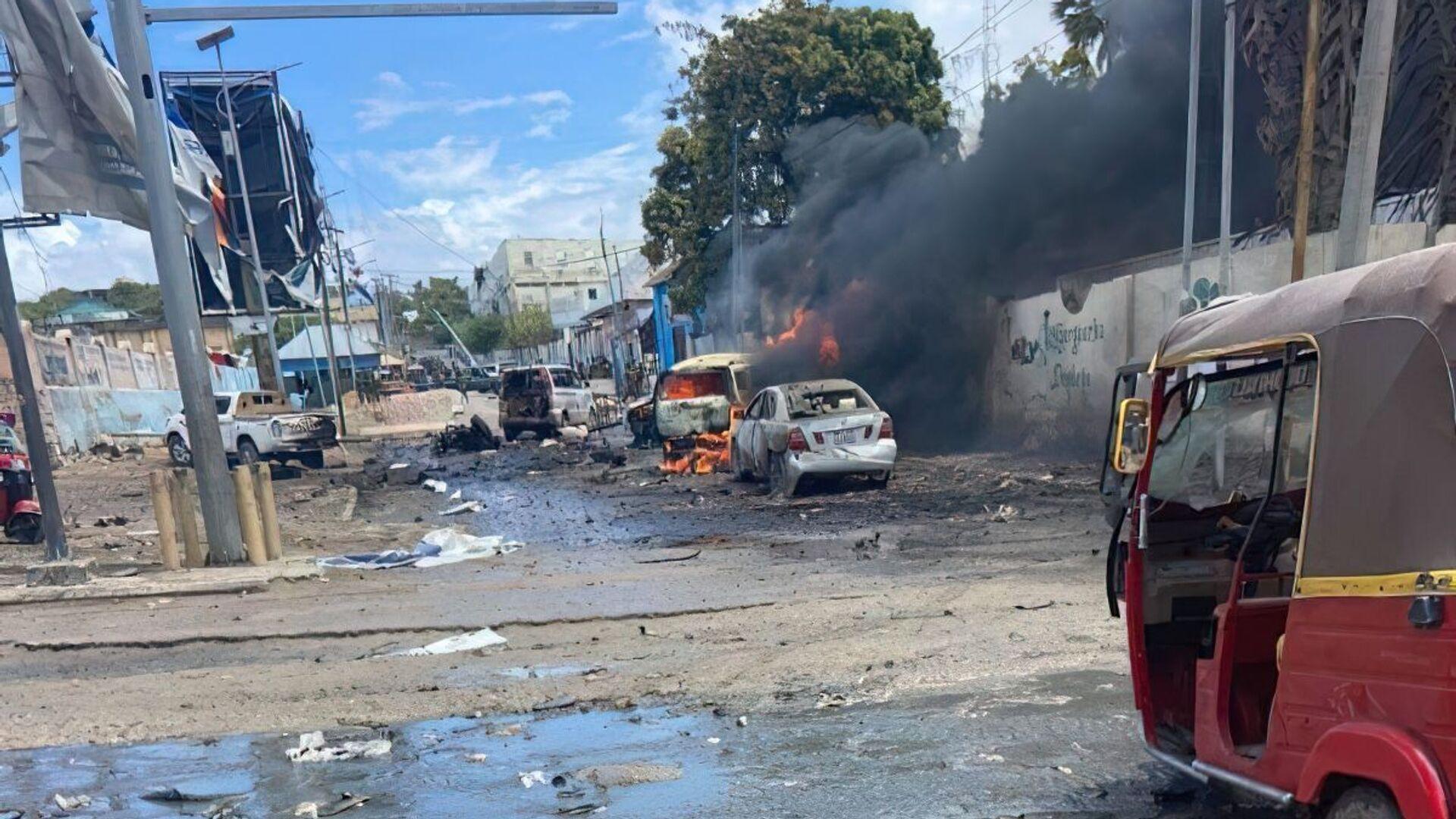 Место взрыва в столице Сомали Могадишо - Sputnik Polska, 1920, 25.09.2021