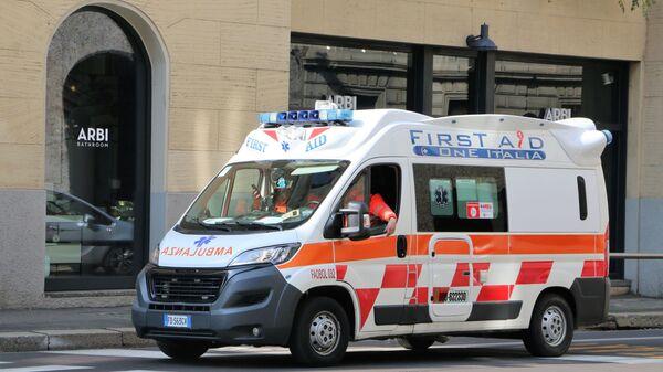 Ambulanza a Milano - Sputnik Polska