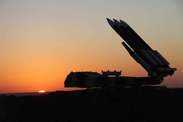 Ćwiczenia wojskowe irańskiej obrony przeciwlotniczej - Sputnik Polska