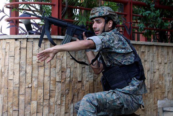 Libańscy żołnierze na miejscu strzelaniny w Bejrucie. - Sputnik Polska