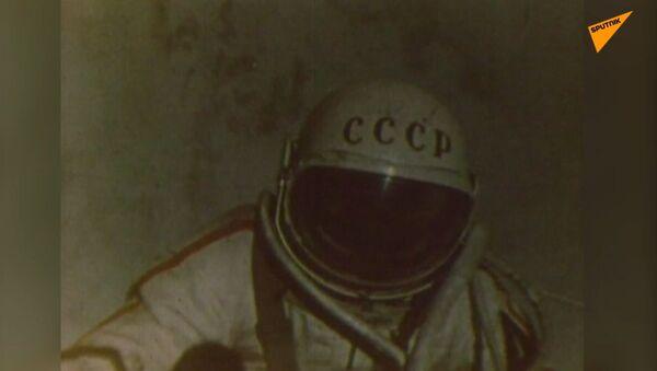 Pierwszy człowiek w otwartym kosmosie - Sputnik Polska