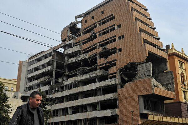 Siedziba byłego Federalnego Sztabu Wojskowego w Belgradzie zniszczona podczas nalotów NATO - Sputnik Polska
