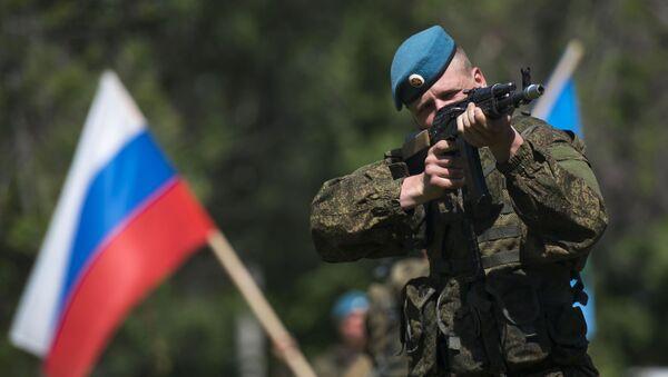 Rosyjski żołnierz w Kirgistanie - Sputnik Polska