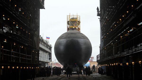 """Wodowanie okrętu podwodnego """"Pietropawłowsk Kamczacki"""" projektu 636.3 """"Warszawianka"""" w Petersburgu - Sputnik Polska"""