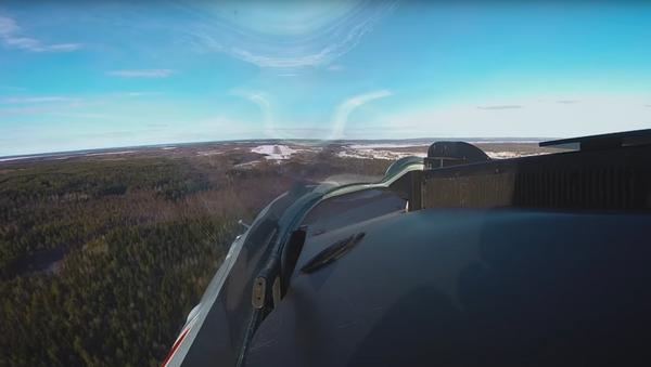 """Widok z kokpitu Su-35 na ćwiczeniach """"Ładoga-2019"""" - Sputnik Polska"""