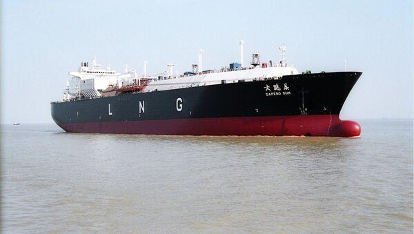 """Tankowiec do transportu skroplonego gazu ziemnego chińskiej firmy stoczniowej """"Hudong Zhonghua"""" - Sputnik Polska"""