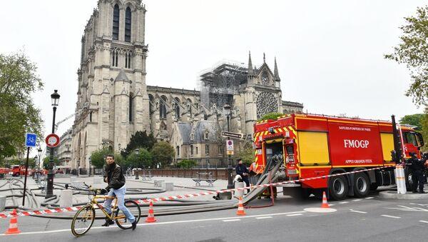 Katedra Notre Dame po pożarze - Sputnik Polska