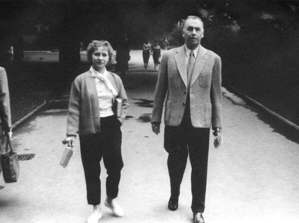 Szef Sztabu Generalnego Armii Czerwonej z żoną w Czechosłowacji - Sputnik Polska