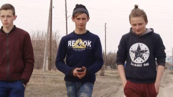Troje nastolatków uratowało z pożaru sześcioro dzieci - Sputnik Polska