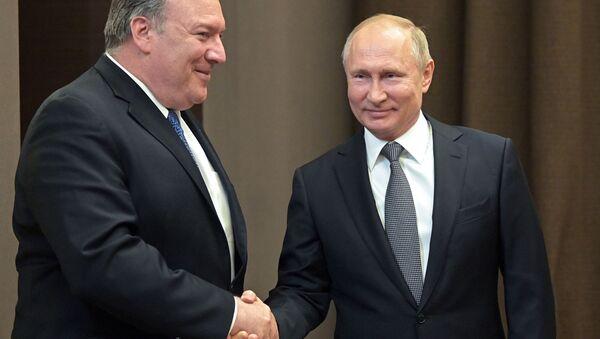 Spotkanie prezydenta Rosji Władimira Putina i sekretarza stanu USA Mike'a Pompeo - Sputnik Polska