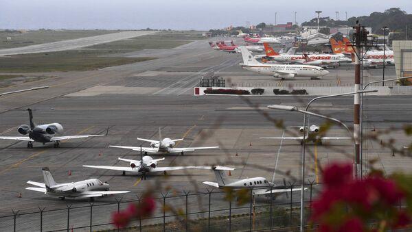 Międzynarodowy port lotniczy im. Simona Bolivara w Wenezueli - Sputnik Polska