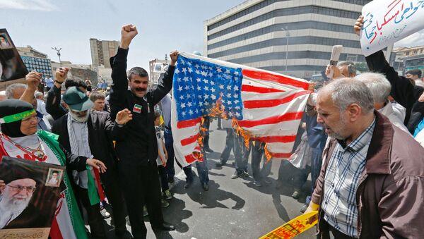 Antyamerykańska demonstracja w centrum Teheranu - Sputnik Polska