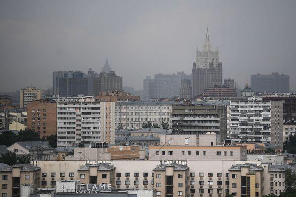 Widoki z punktu widokowego na Wzgórzach Worobiowych w Moskwie  - Sputnik Polska