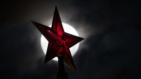 Czerwona Gwiazda na Kremlu - Sputnik Polska