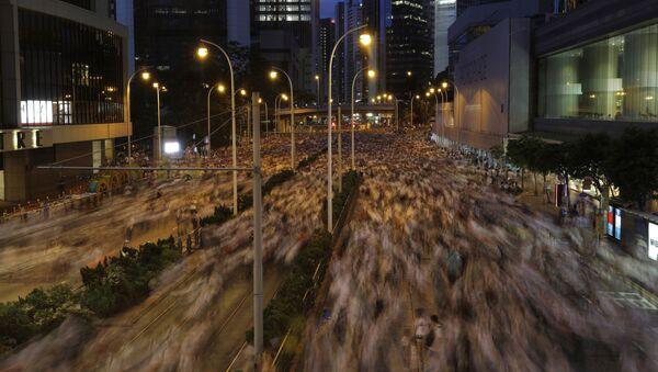 Masowe protesty w Hongkongu przeciwko nowelizacji prawa ekstradycyjnego - Sputnik Polska