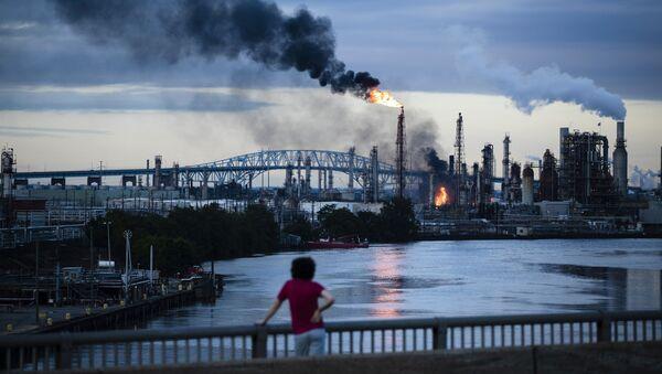 Pożar w rafinerii (Philadelphia Energy Solutions Refinery) - Sputnik Polska