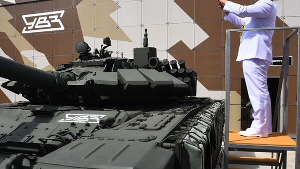 """Czołg konstrukcji radzieckiej T-72 na Międzynarodowym Forum Wojskowym """"Armia-2019""""   - Sputnik Polska"""