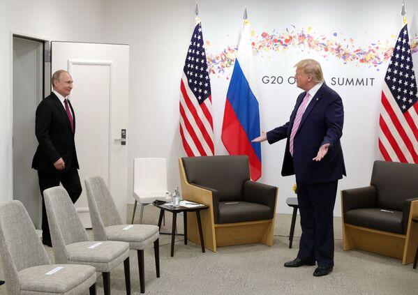Spotkanie Władimira Putina i Donalda Trumpa na szczycie G20 w Japonii - Sputnik Polska