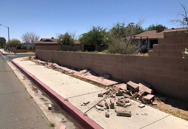 Ściana zniszczona w wyniku najsilniejszego od 25 lat trzęsienia ziemi w Kalifornii - Sputnik Polska