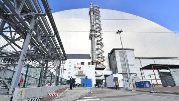 Nowy sarkofag nad Czarnobylską Elektrownią Atomową - Sputnik Polska