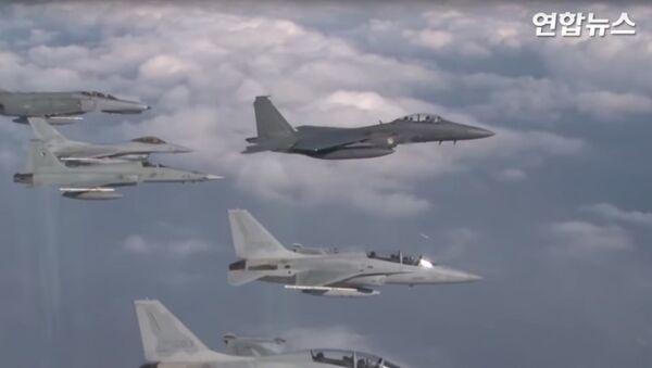 Przechwycenie rosyjskich bombowców przez Koreę Południową - Sputnik Polska