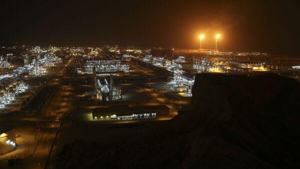 Zakłady przetwórcze na brzegu Zatoki Perskiej w Iranie  - Sputnik Polska