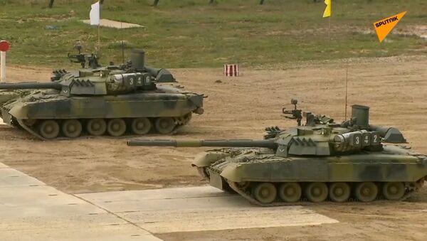 Czołg, który nie tylko strzela, ale i rysuje - Sputnik Polska