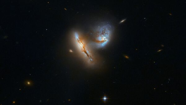 Podwójna galaktyka UGC 2369 w gwiazdozbiorze Barana - Sputnik Polska
