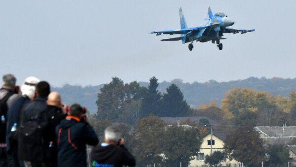 Myśliwiec Su-27 Sił Powietrznych Ukrainy - Sputnik Polska